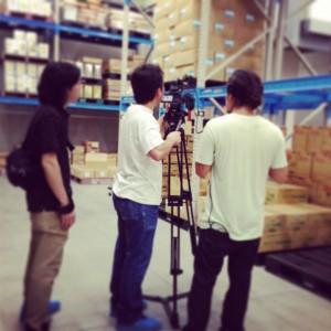 倉庫内で撮影